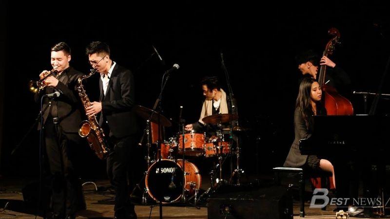 The Jazz Train квинтет хамтлаг