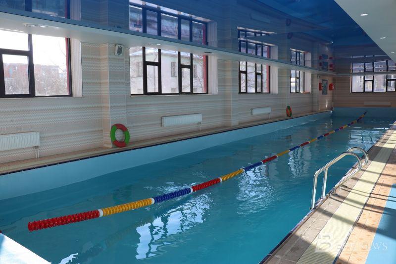 25 м бүхий урттай бассейн